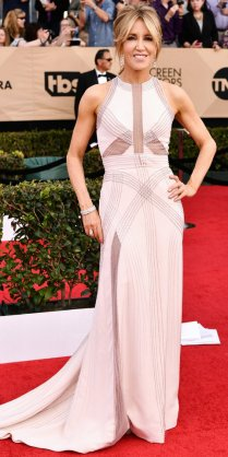 Mandatory Credit: Photo by Rob Latour/REX/Shutterstock (8137126da) Felicity Huffman The 23rd Annual Screen Actors Guild Awards, Arrivals, Los Angeles, USA - 29 Jan 2017
